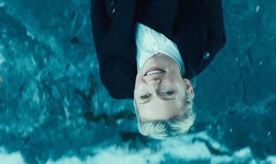 (3) Филм: Превртено (Upside Down)