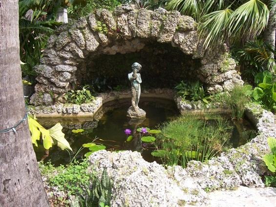 Чекај ме во тајната градина