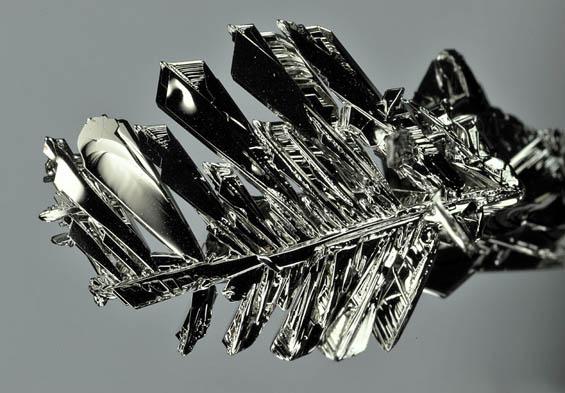 Елементите од периодниот систем погледнати под микроскоп