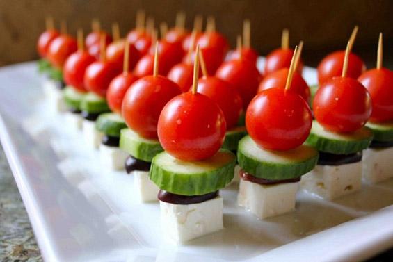 (1) Брзо и лесно мезе: грчка салата на стапче