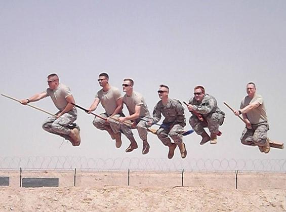"""(1) Магија во армиските редови - војници во """"Хари Потер"""" расположение"""