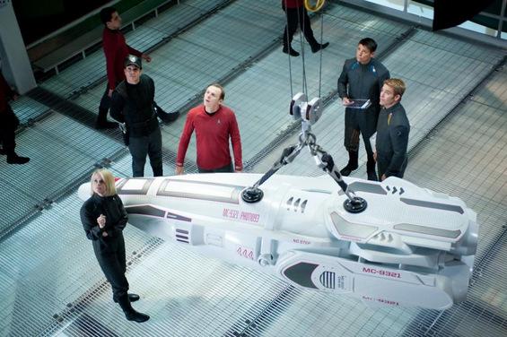 Филм: Ѕвездени патеки во мрак (Star Trek Into Darkness)