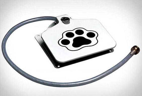 (4) Кул и практична фонтана за кучиња