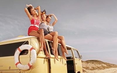 Летни колоритни фотографии инспирирани од девојките во педесеттите