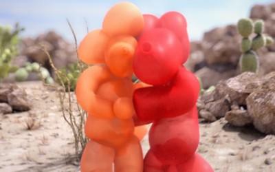 Романтично танго на два балони во пустина