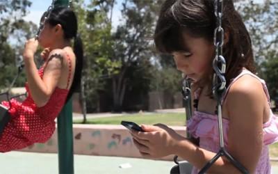 Што ни прават мобилните?