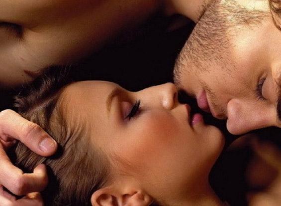 Како се бакнуваат машките хороскопски знаци?