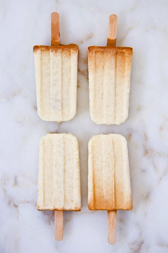 Сладолед на стапче од оризов пудинг и цимет