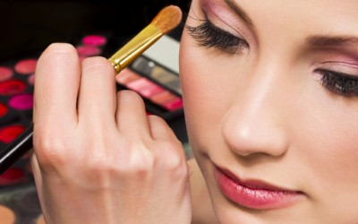 Пет шминкерки кои треба да ги следите на Јутјуб