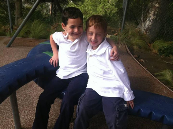Шестгодишно момче собрало 400.000 долари за да му помогне на своето болно другарче