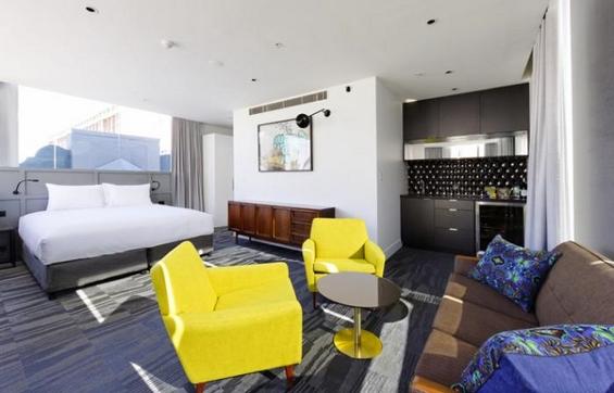 (12) Престојувајте бесплатно во Истагарам хотелот во Сиднеј