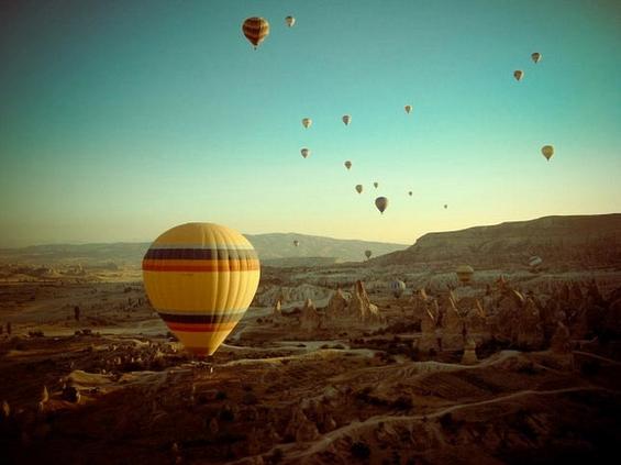 Лет со балон на зајдисонце во мистичната Кападокија
