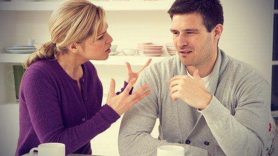 12 алармантни знаци дека сте во лоша љубовна врска