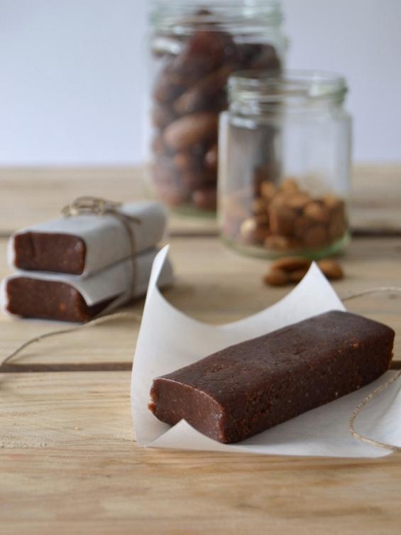 Енергетски чоколатца кои можете да ги направите дома