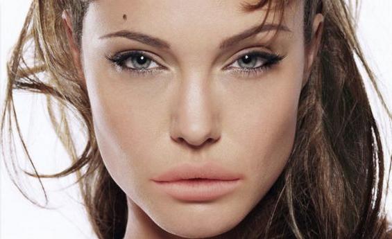 Кога познатите личности би ги имале усните на Лана Дел Реј...