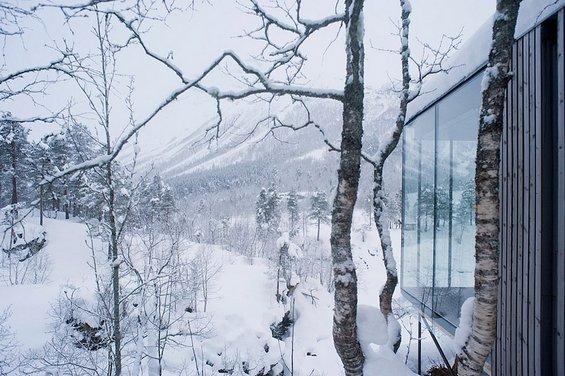 Неверојатен хотел со поглед кон прекрасни пејзажи
