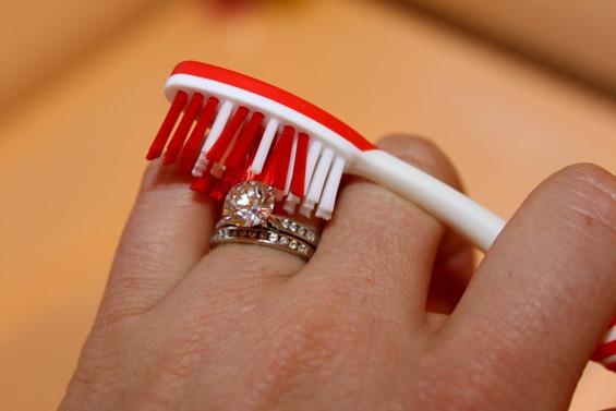 5 корисни совети за чистење на вашиот накит