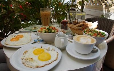 7 предности на оние кои редовно појадуваат