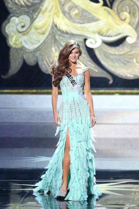 Неверојатните вечерни фустани кои можеа да се забележат на изборот за Мис Универзум 2013