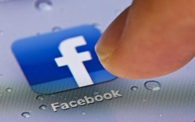 Скоро половина македонски корисници се на Фејсбук повеќе од 3 часа на ден