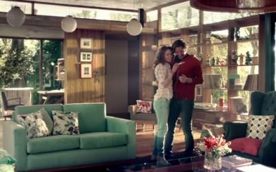 Откачена реклама на Кока Кола наменета за младите родители