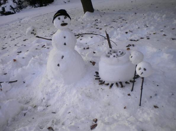Смешни и уникатни снешковци направени ширум светот