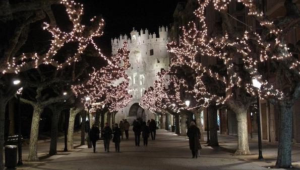 Погледнете ги божиќните декорации ширум светот