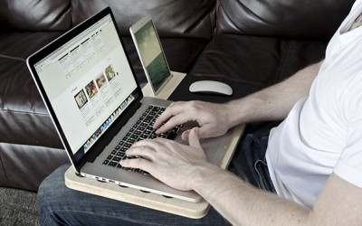 Совршена подвижна масичка за вашиот лаптоп