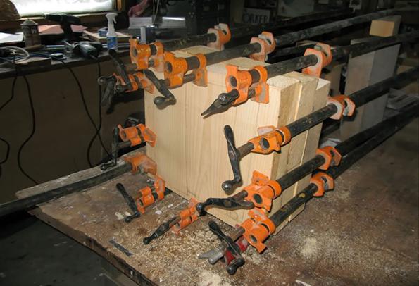 Како да претворите парче дрво во кутија полна со пари?