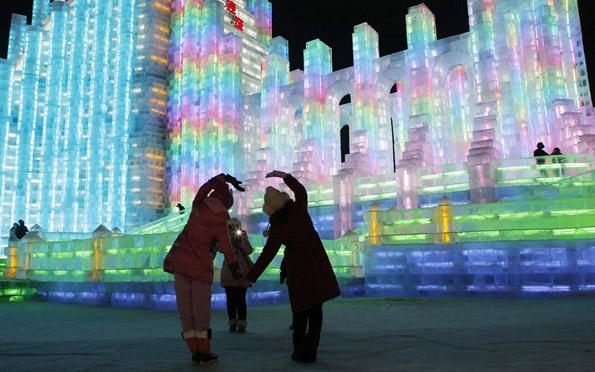Магичниот фестивал на снегот и мразот во кинескиот град Харбин