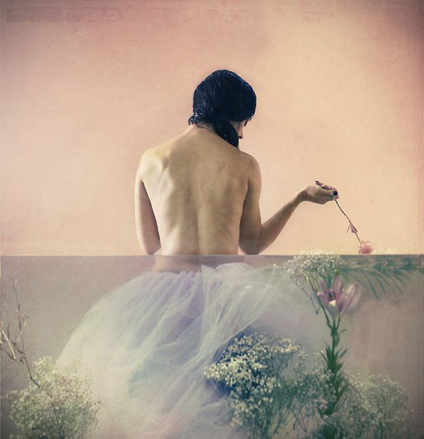 (4) 9-prekrasni-nadrealistichni-fotografii-od-lara-zankul-kafepauza.mk