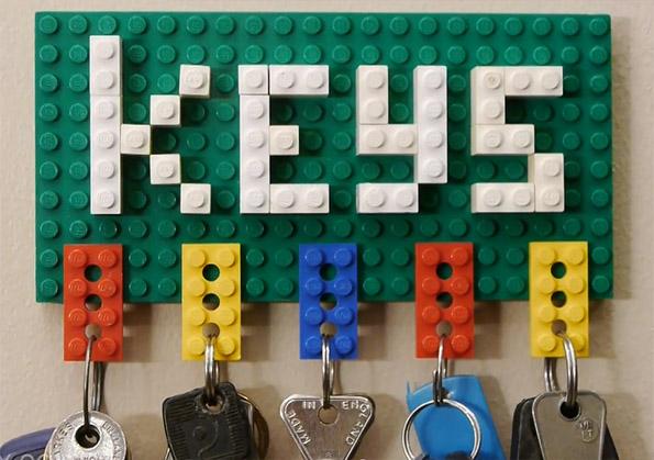 Интересен Лего држач за клучевите во вашиот дом