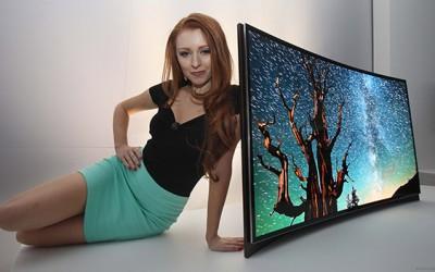 Предности и недостатоци на телевизорите со закривен екран