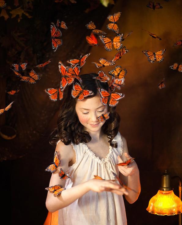 Мало девојче го истражува портокаловиот свет на фантазијата