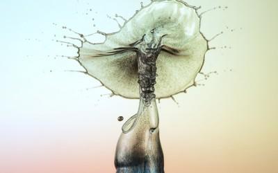 Скриената убавина во фотографиите од водени капки направени со голема брзина