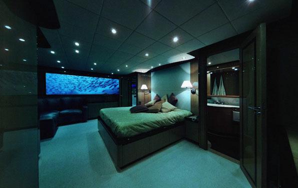 Луксузно и романтично подводно бегство