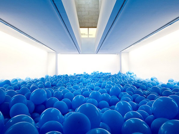 Поучна приказна: Соба полна со балони