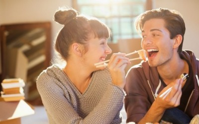 Најголемата причина зошто не треба да брзате за да се вселите со вашиот партнер