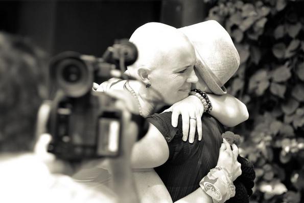 Ѝ бил дијагностициран рак – еве што направиле нејзините пријателки