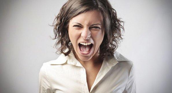 12 работи кои никогаш не смеете да ѝ ги кажете на една жена