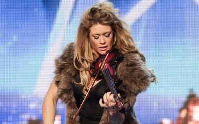 Откачена виолинистка го покажува својот неверојатен талент