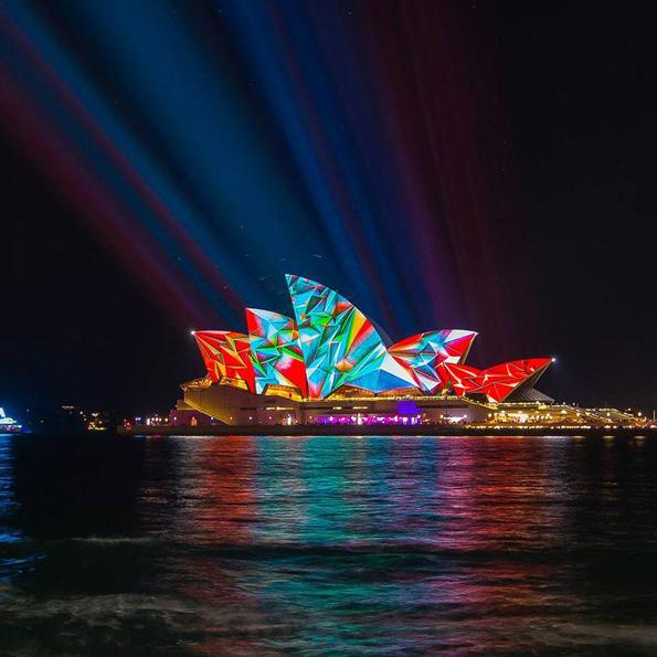 """Колоритна трансформација на Сиднеј за време на фестивалот """"Vivid Sidney"""""""