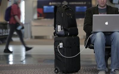 Иновативни торби кои ќе се погрижат вашиот мобилен никогаш да не биде со празна батерија