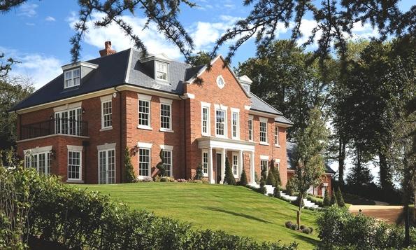 Луксузен дом во Англија со поглед кон природата