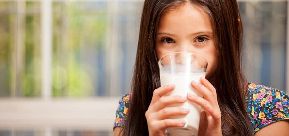 4 знаци дека вашето дете е чувствително на млеко и млечни производи