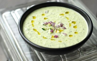Освежителна ладна супа од краставици