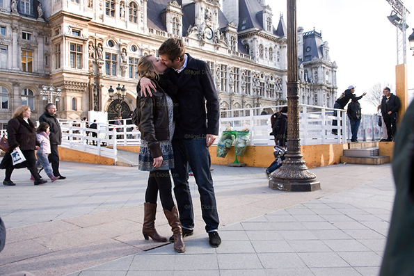 Couples Kissing on Valentine's Day in Paris to the style of Robert Doisneau's famous photo