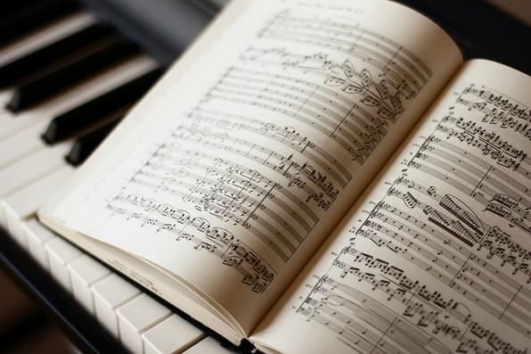 (2) pridobivkite-od-muzichkoto-obrazovanie-i-svirenjeto-na-instrument-kafepauza.mk