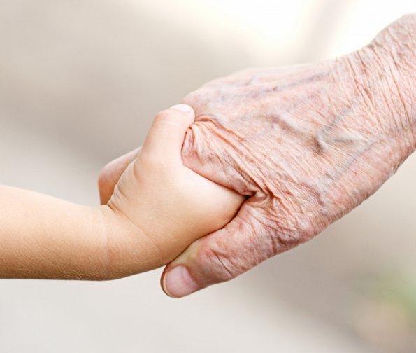 Зошто ги сакаме нашите баби и дедовци?