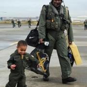 Слики кои ги покажуваат неверојатните сличности меѓу татковците и синовите